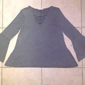 Entro flowing quarter sleeve blouse